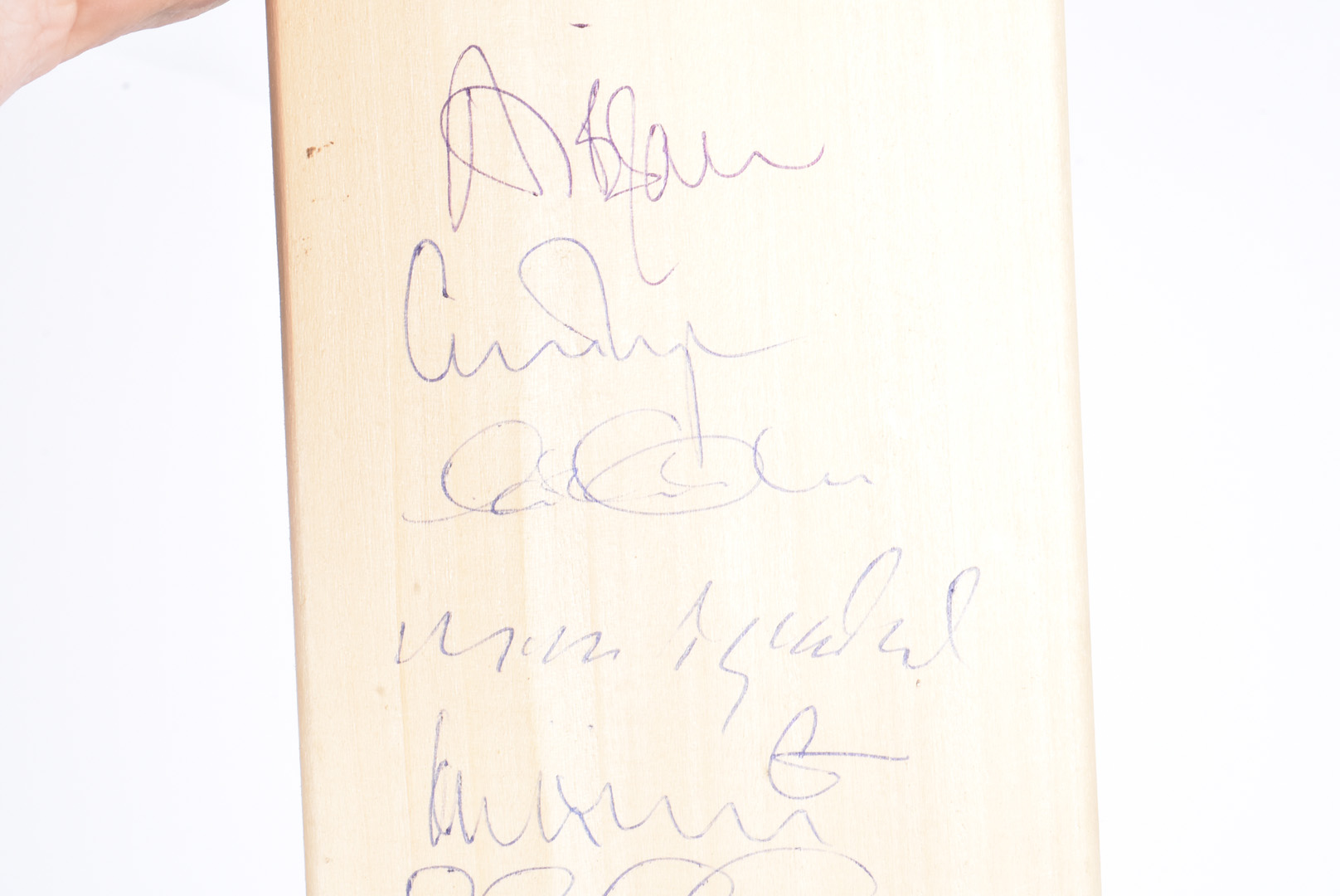 Surrey Cricket Club Bat, a full size cricket bat autographed with 18 signatures from the mid - Image 3 of 6