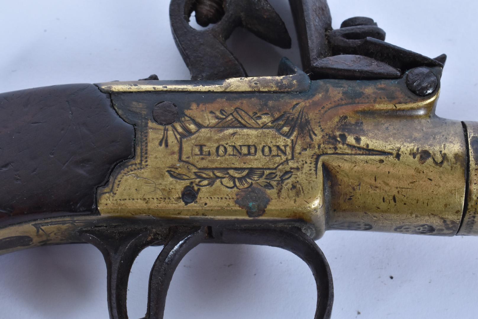 A early 19th Century English Flintlock Screw barrel pocket pistol by Twigg of London, the .44 - Image 3 of 8