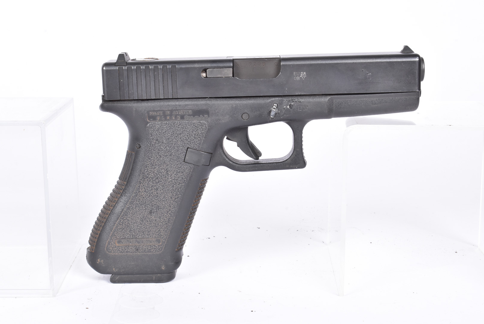A Deactivated Glock 17 9mm Second Generation pistol, serial NL17203, deactivated to the latest EU - Image 5 of 6