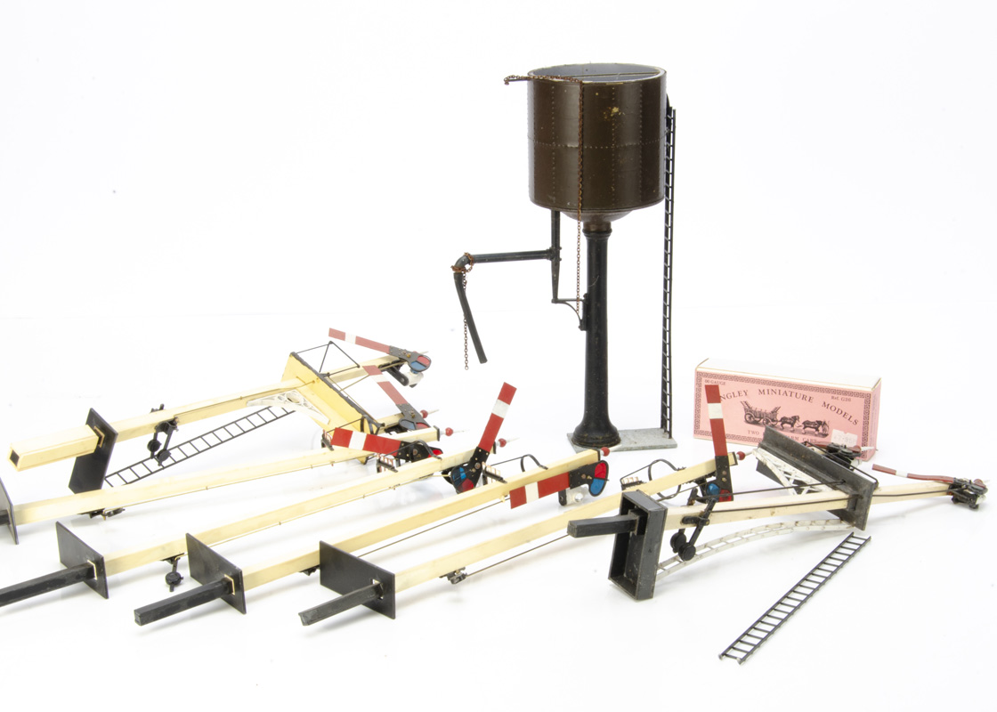G Scale scratchbuilt Signal Boxes various Signals and other Accessories two well made Signal - Image 2 of 2