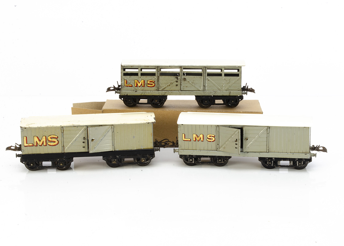 Hornby 0 Gauge pre-war LMS No 2 Freight Stock, grey/black cattle wagon and luggage van, both with