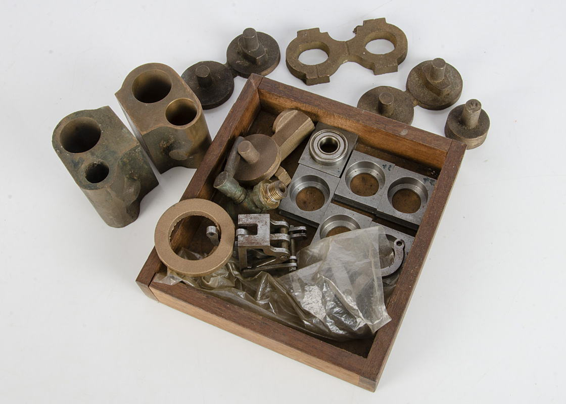 """A Boiler and collection of rough castings and other components for a 5"""" Gauge 'Maid of Kent' 4-4-0 - Image 3 of 3"""