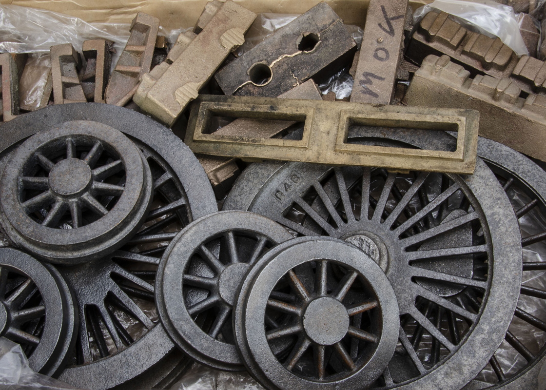 """A Boiler and collection of rough castings and other components for a 5"""" Gauge 'Maid of Kent' 4-4-0 - Image 2 of 3"""