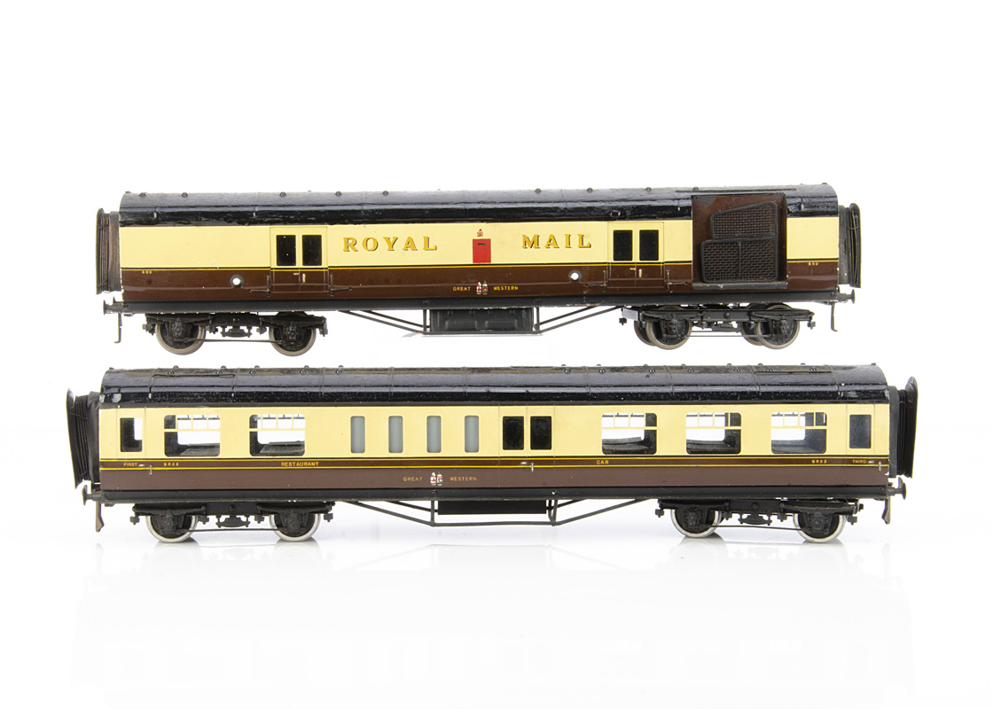 Exley 0 Gauge GWR 'Royal Mail' TPO Van and 1st/3rd Restaurant Car, both in GWR brown/cream livery,