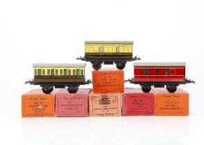 Hornby 0 Gauge Pre- and Post-war 4-wheel Coaching Stock, an uncommon post-war No 1 GWR coach, VG, in
