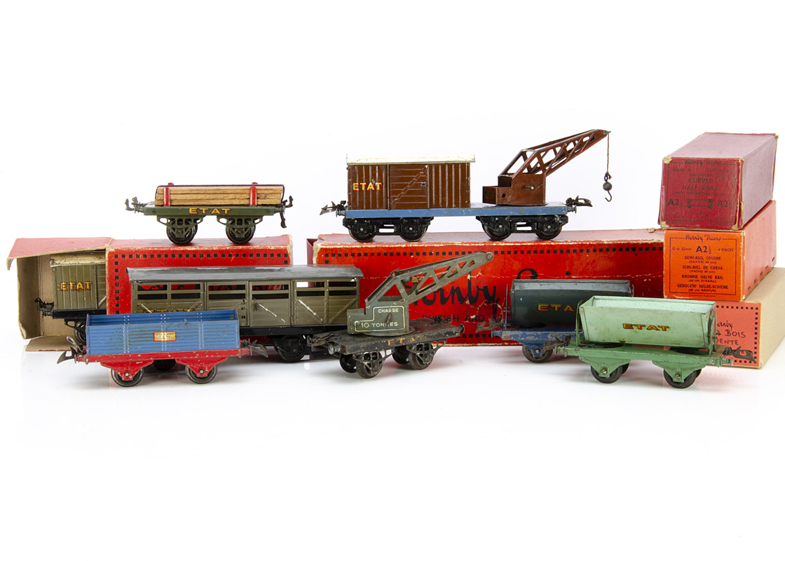 French Hornby 0 Gauge ETAT Freight Stock, an early ETAT no 2 cattle wagon with large drop-links
