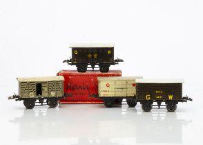 Hornby 0 Gauge No O tin-printed GWR Vans, dark brown Fish van 2101 and Milk Traffic van 28127,