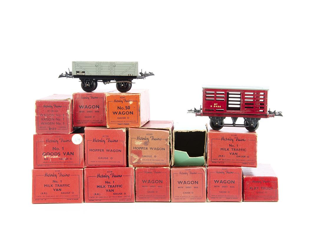 Boxed Hornby 0 Gauge 4-wheel Goods Rolling Stock, BR Milk Traffic Vans (3), No 1 wagon, No 1 Goods