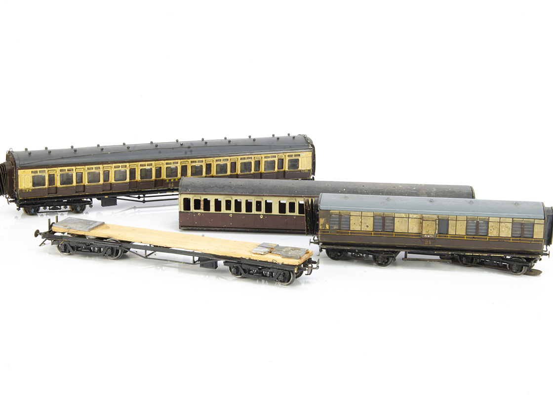 Vintage Scratchbuilt Great Western 0 Gauge Coaching Stock for restoration, all in GW brown/cream and