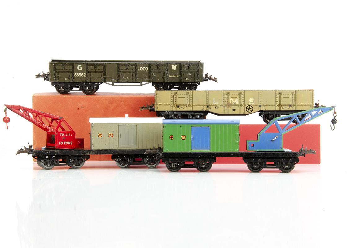 Hornby 0 Gauge No 2 Breakdown Cranes and 'High Capacity' wagons, a boxed GW breakdown Van and