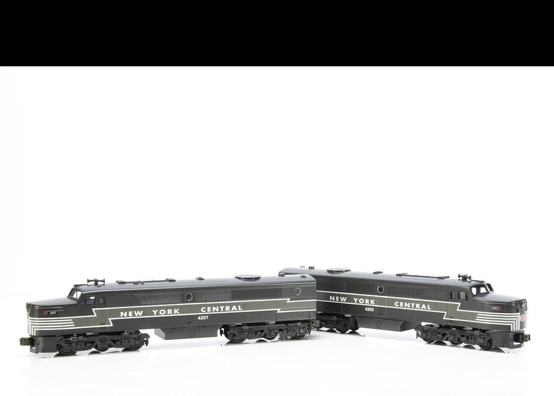 Williams 0 Gauge AC 1012 New York Central ALCO PA Power and Dummy Set, comprising grey with white