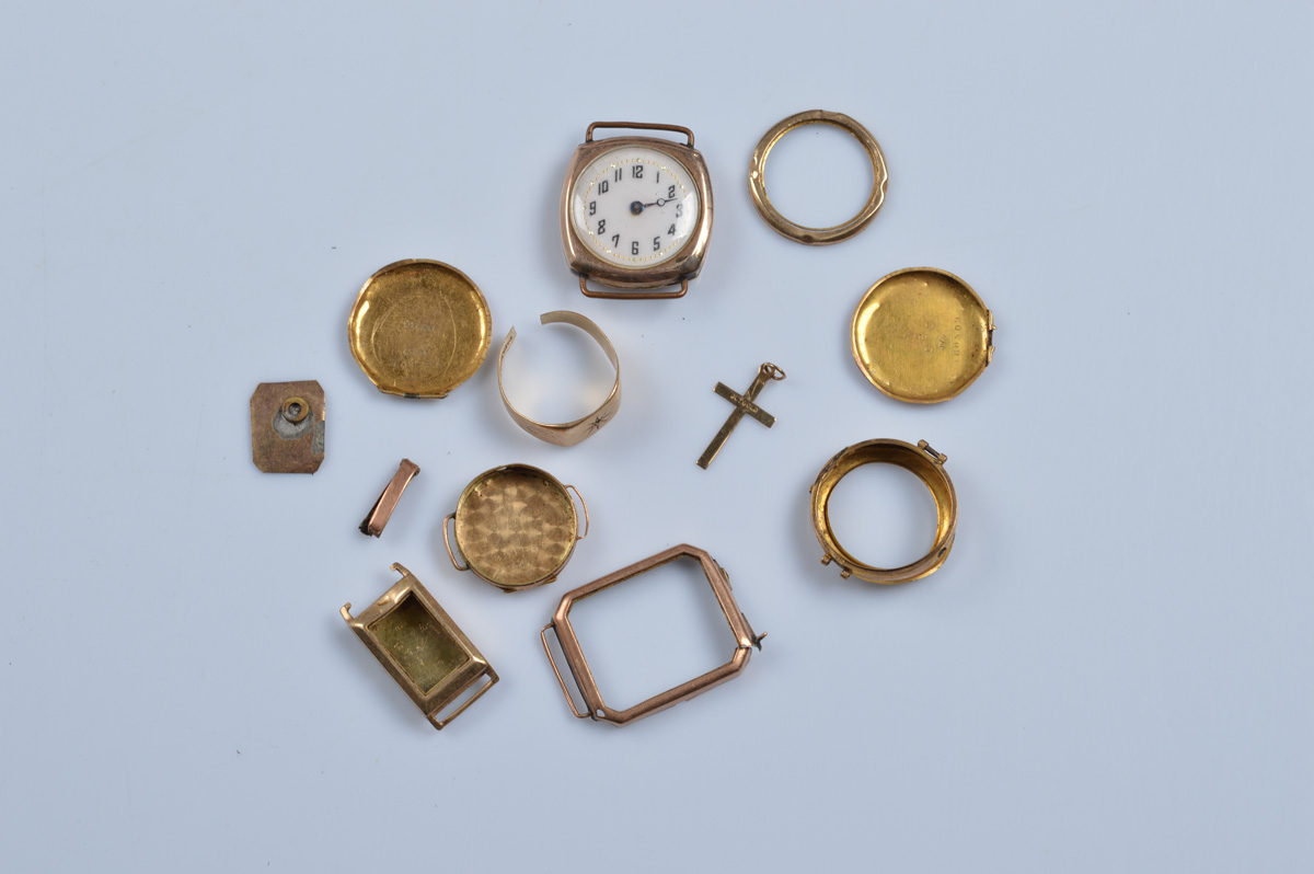 A quantity of 9ct and 14ct gold, including watch faces, cases, jewellery etc. 9ct approx weight 17.