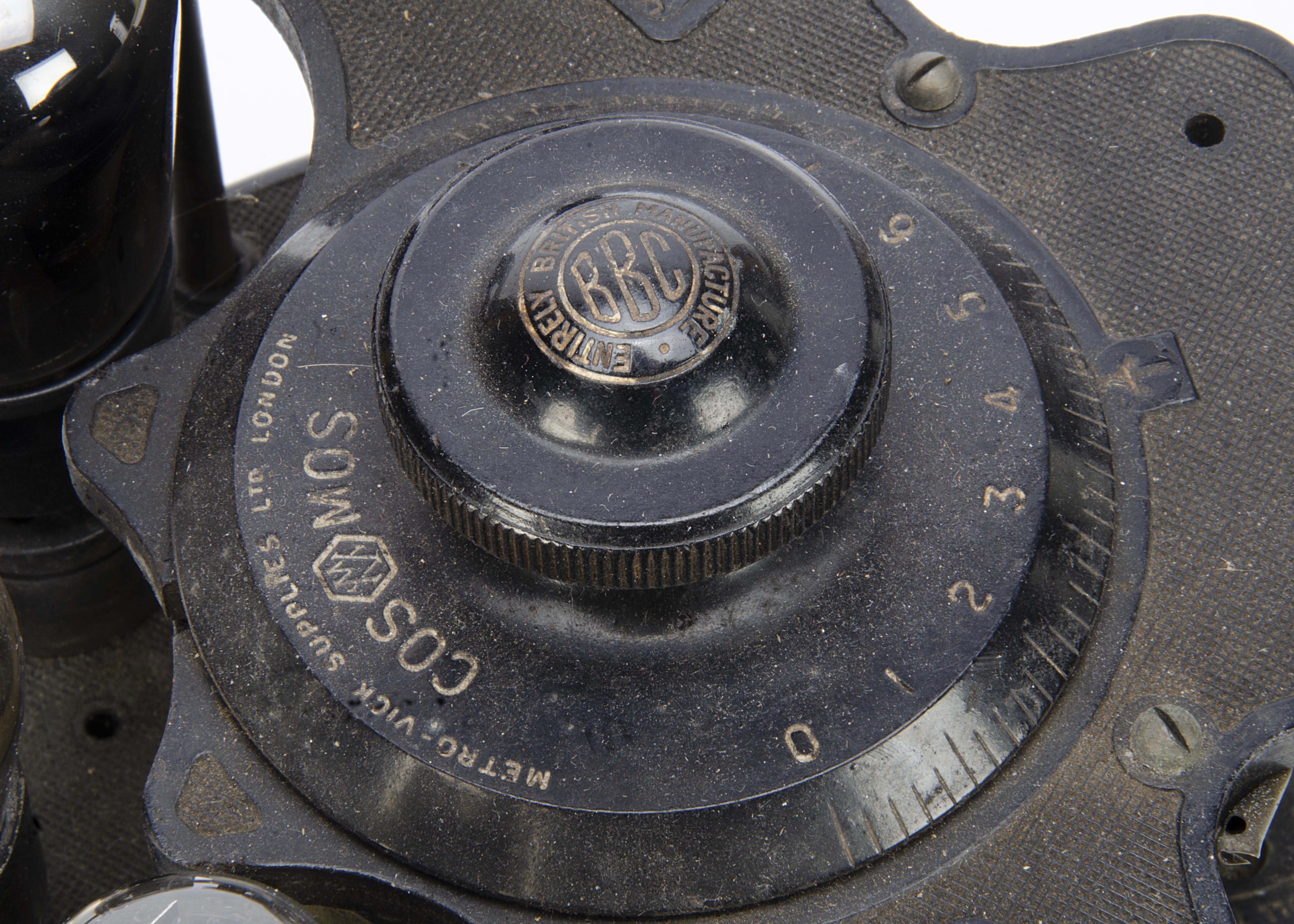 Cosmos Radiophone VR4, a Cosmos Radiophone VR4 'Cruet Set' 3 valve wireless receiver CAT No:89591 - Image 3 of 3