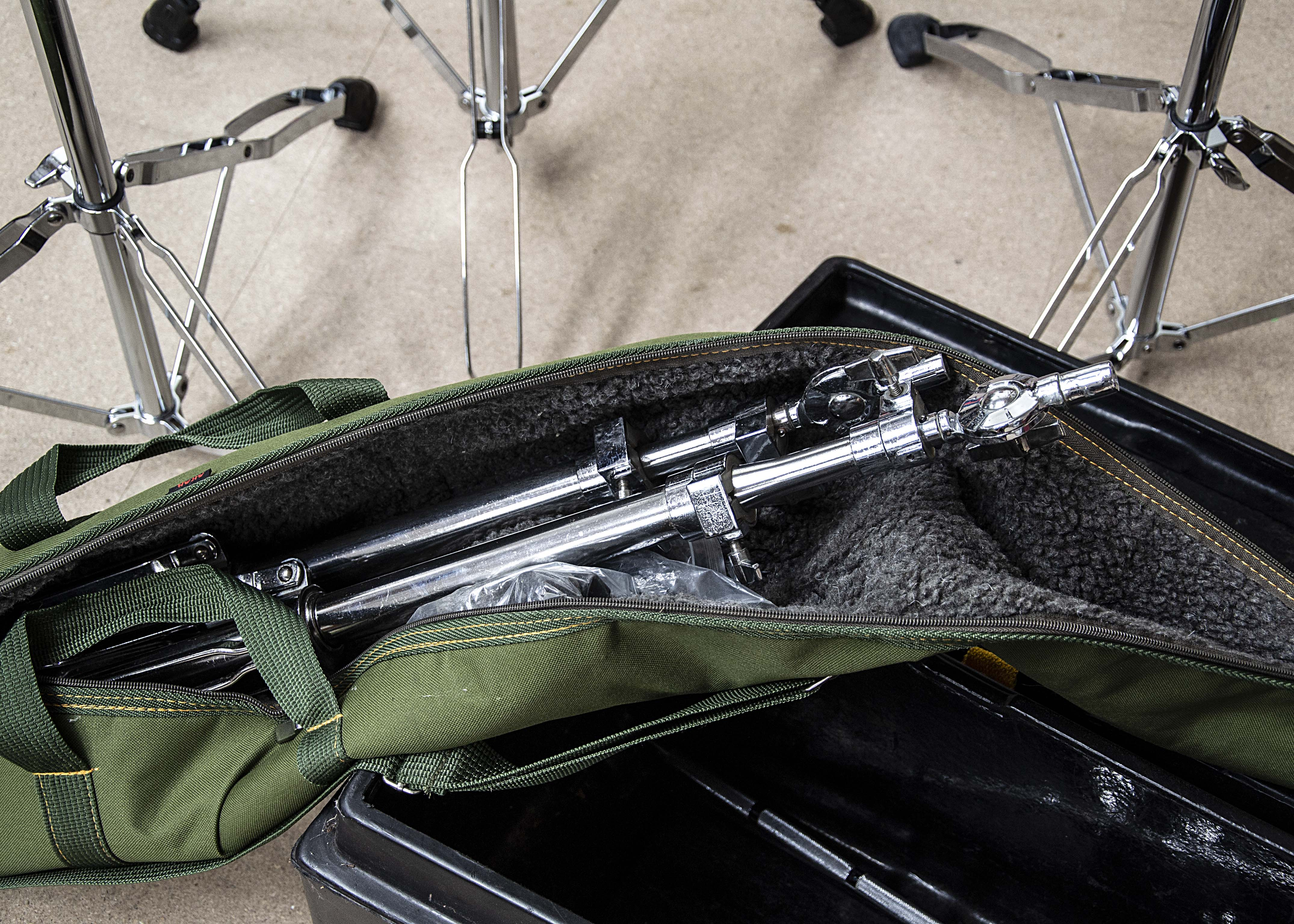 Cymbal Stands, five cymbal stands with a number of attachments, a further two stands in padded carry - Image 2 of 2