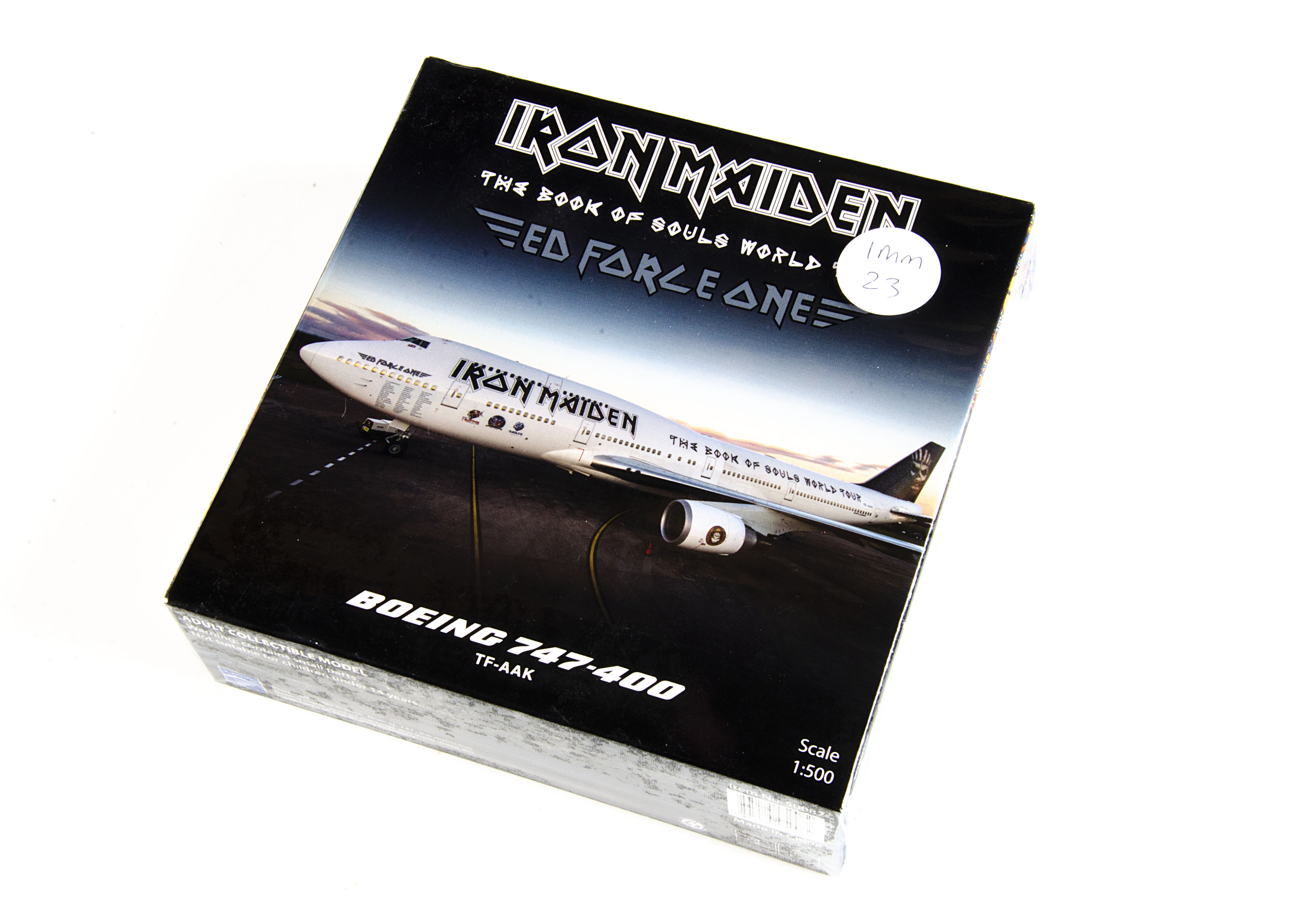 Iron Maiden Aircraft Model, Book Of Souls World Tour - Ed Force One 747-400 1:400 Model Kit 2016