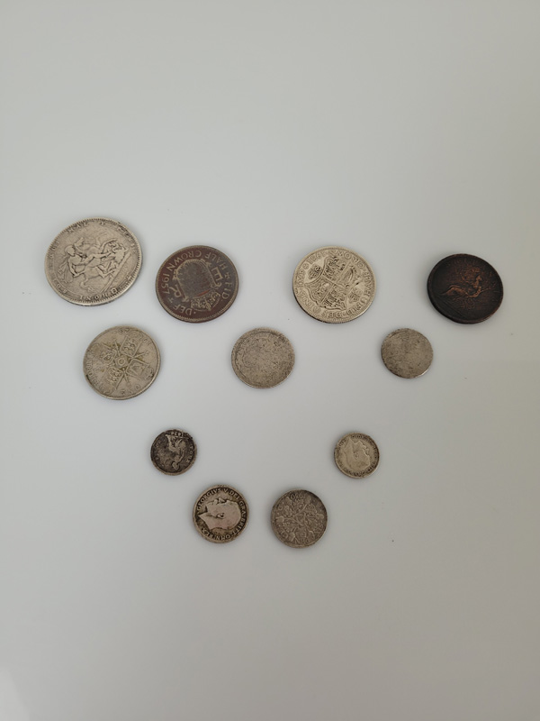 An 1820 George III silver crown, together with a collection of other Georgian and later coins, - Image 2 of 2