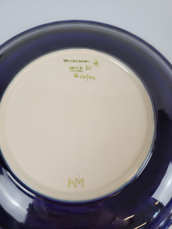 "Moorcroft ""Anemone ""plate, 26cm diameter. - Image 2 of 2"