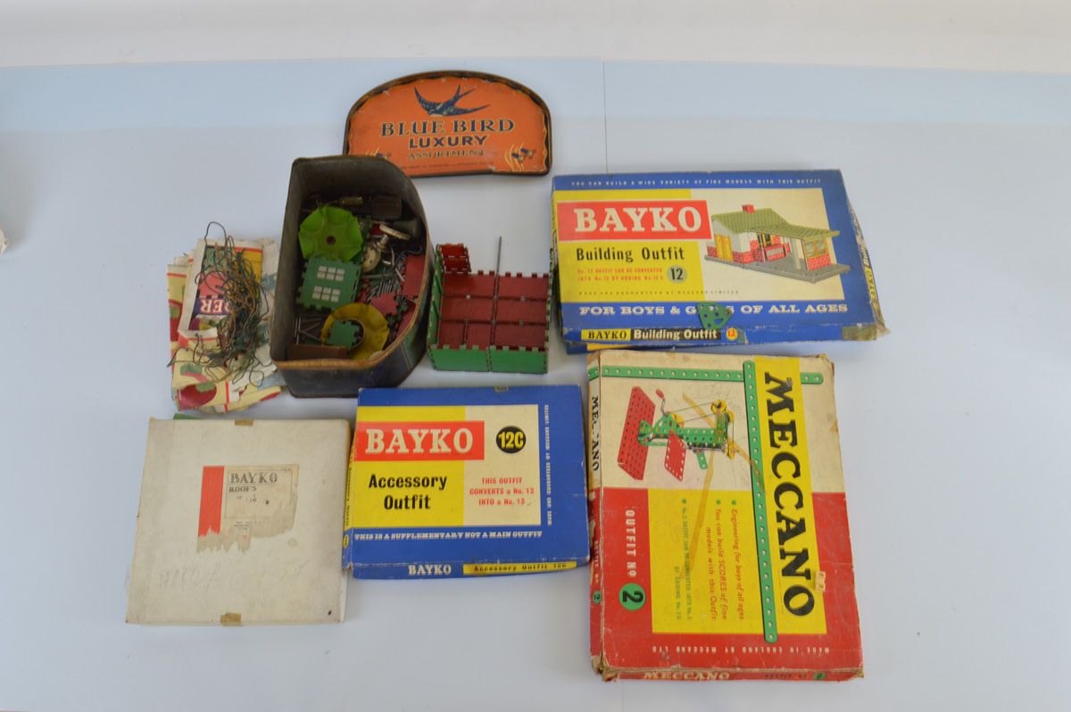 A mixed lot of building sets, including Bayko and Meccano, some boxed.