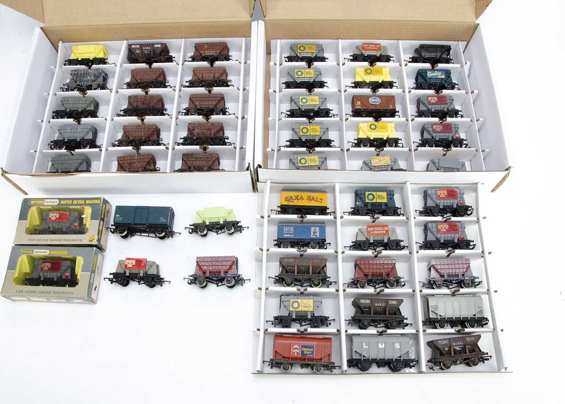 Wrenn OO Gauge Goods Wagons, mainly unboxed includes cement wagons, Mineral wagons, Blue Circle,