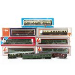 OO Gauge GWR Railcar BR DMU and Others, a boxed Lima 205132A5 GWR Railcar, Lima boxed three car