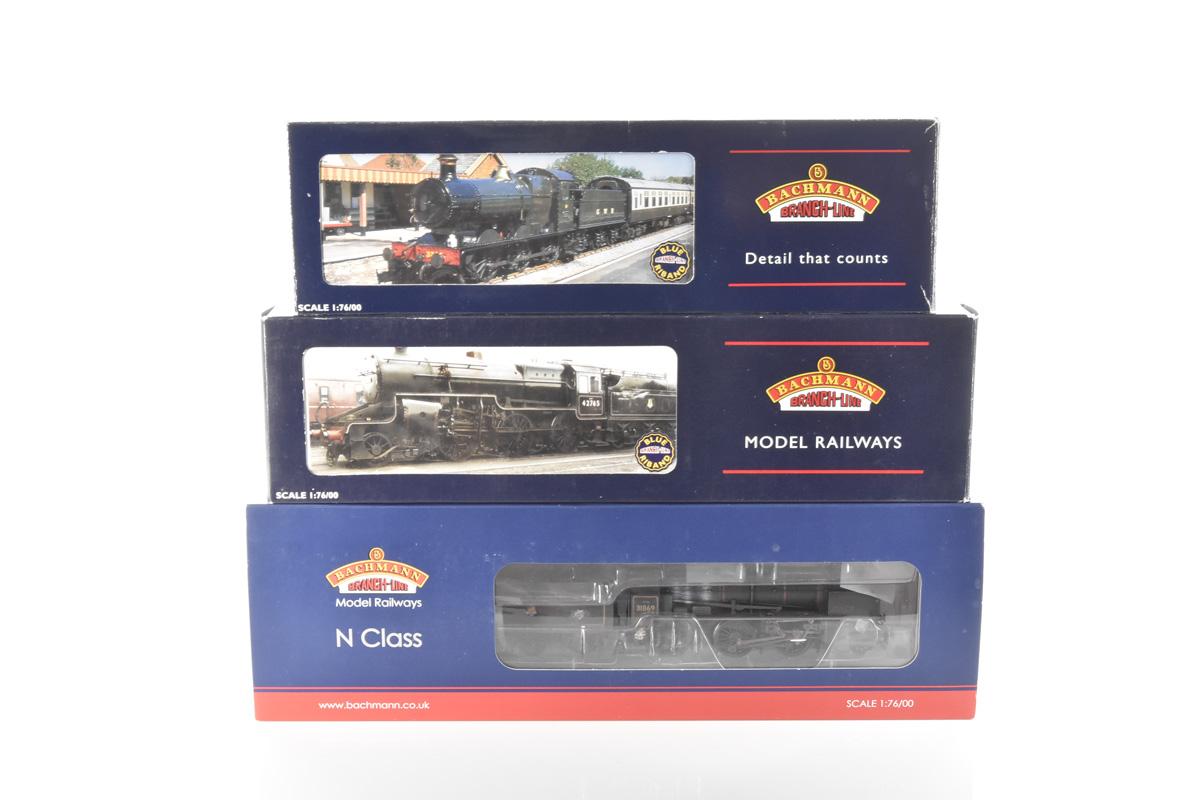 Bachmann 00 Gauge BR Steam Locomotives, 32-303 green Collett Goods 2251, 32-179 black Crab 2-6-0