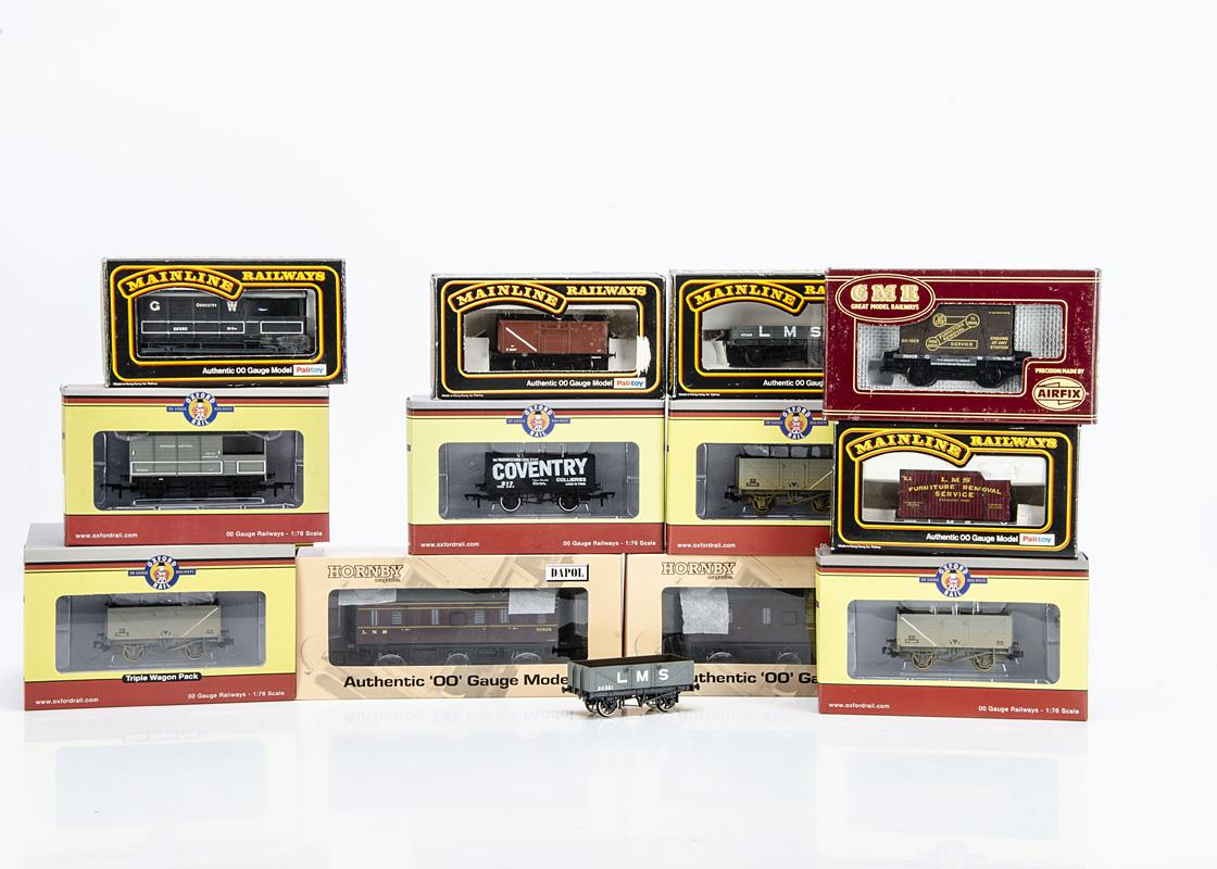 Dapol Stove Vans Oxford Rail Mainline and GMR Airfix 00 Gauge Trucks, Dapol HMOO2 LMS lined maroon