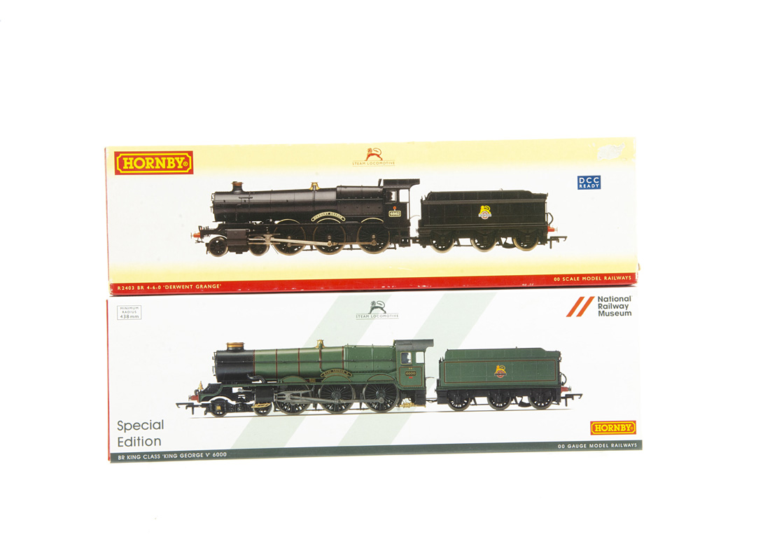 Hornby 00 Gauge BR ex GWR green Steam Locomotives and Tenders, R3330 NRM Special Edition King