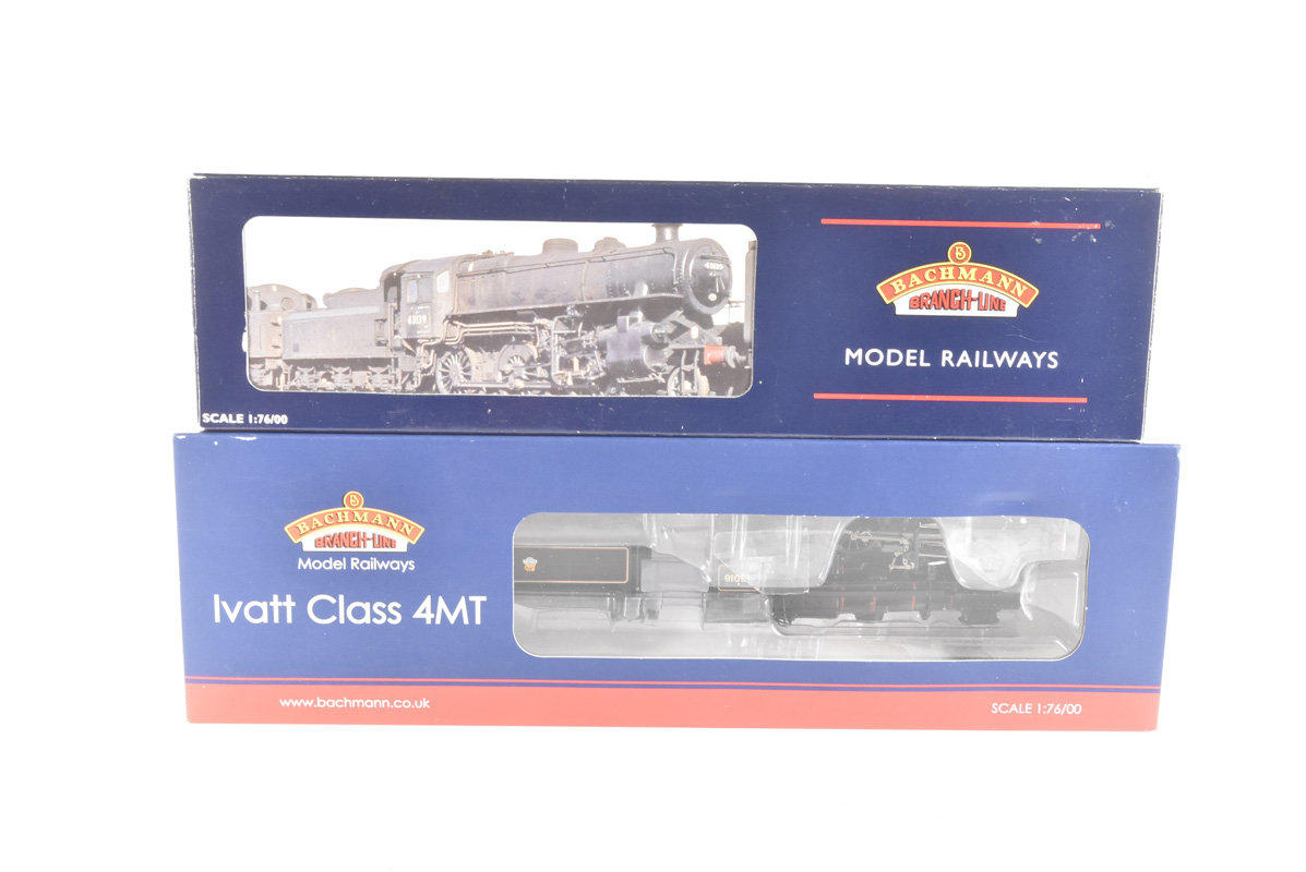 Bachmann 00 Gauge BR black Ivatt Class 2-6-0 Locomotives and tenders, 32-580 weathered 43019 and