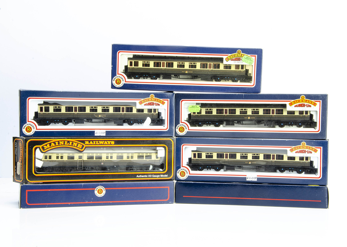 Bachmann and Mainline OO Gauge GWR Coaches, a boxed rake of six Collett 60ft coaches comprises 34-