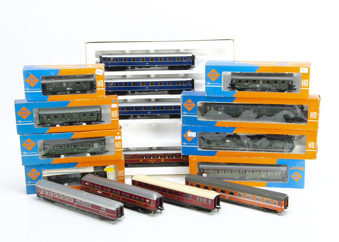 Continental HO Gauge Coaching Stock, various examples includes Fleischmann DSG maroon (2) unboxed,