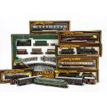 Mainline 00 Gauge Train Set and Locomotives, GWR Goods Train Set comprising GWR green Collett