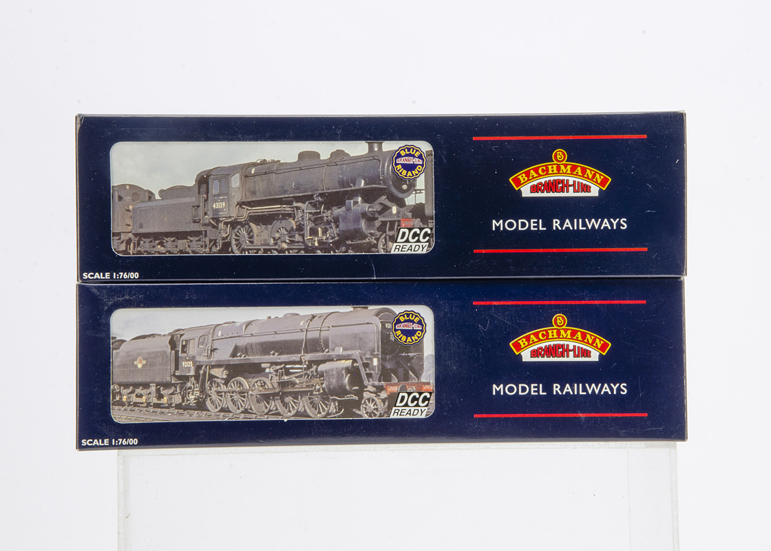 Bachmann Collectors Club 00 Gauge BR black Steam Locomotives, 32-575K weathered 2-6-0 Class 4MT