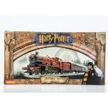 Hornby 00 Gauge R1025 Harry Potter 'Hogwarts Express' and the Philosopher's Stone Train Set,