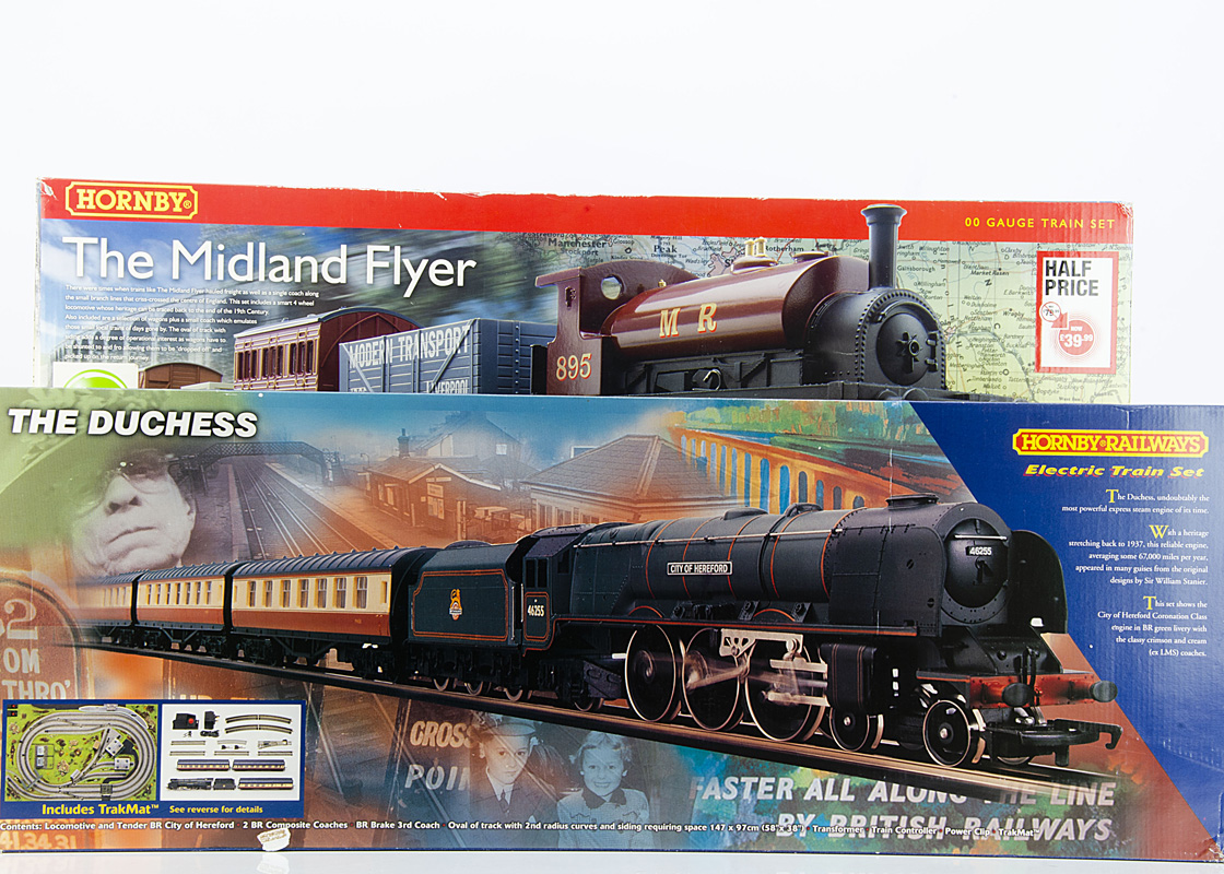 Hornby 00 Gauge Train Sets without Track and Controllers, R1004 'The Duchess' Train Set,