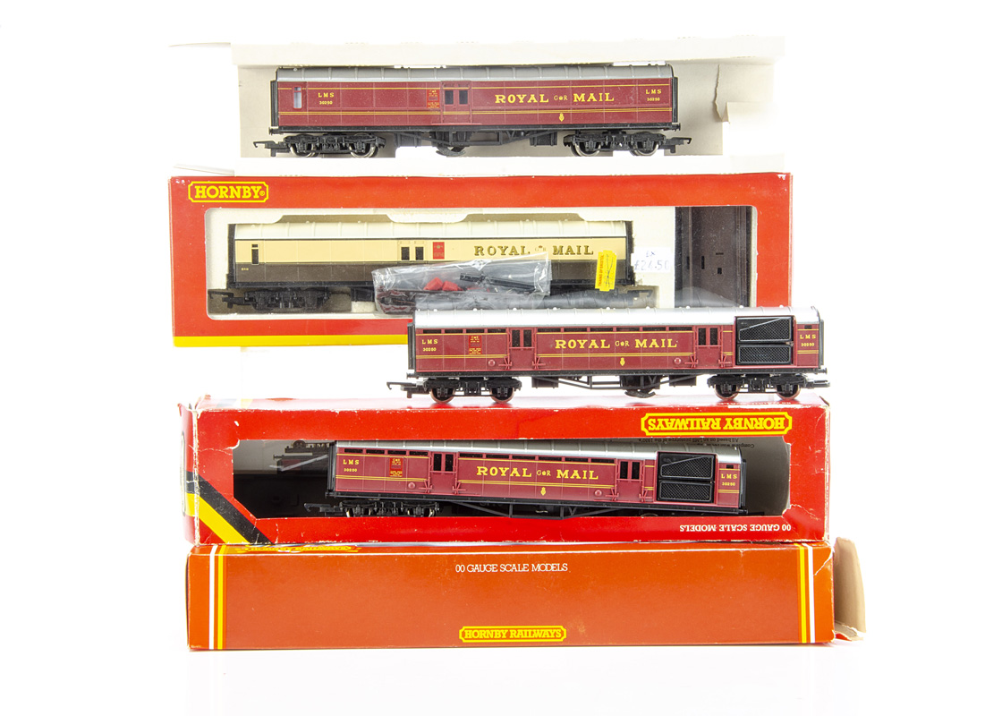 Hornby Royal Mail Coach Sets, Hornby (China) R4108 GWR example together with Hornby (Margate) R440