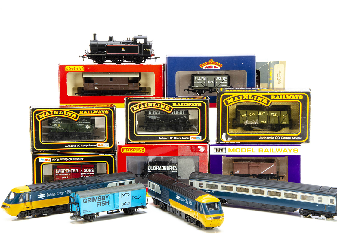 Hornby 00 Gauge HST Bachmann Jinty and various goods wagons, unboxed Hornby 3-Car HST in blue and