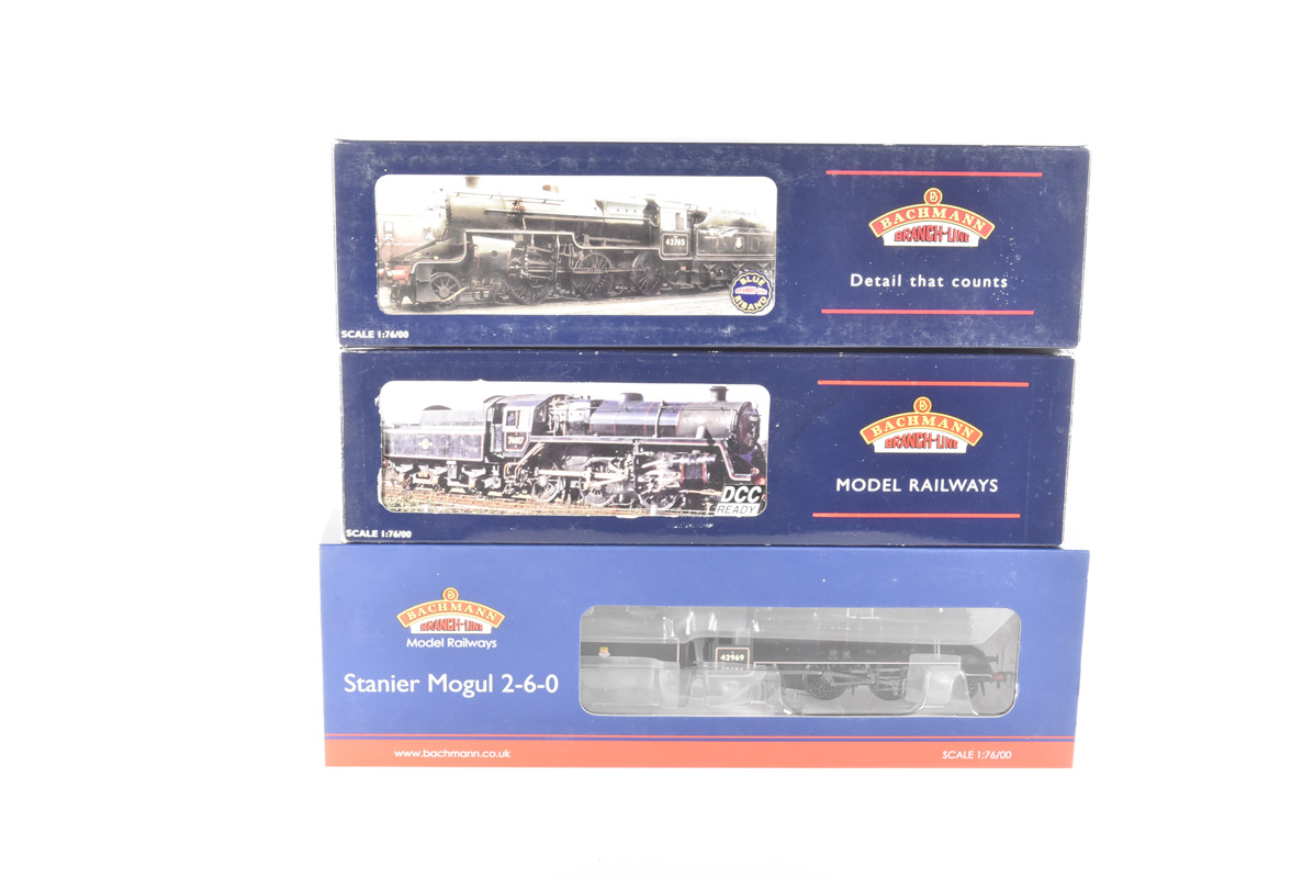 Bachmann 00 Gauge BR black 2-6-0 Locomotives and Tenders, 32-178 lined black Crab Class 42765, 31-