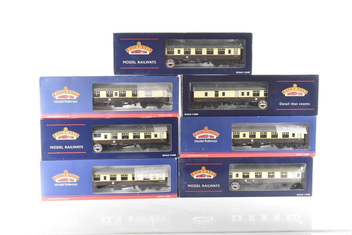 Bachmann 00 Gauge BR MK1 WR chocolate and cream coaches, 39, 029B, 029E, 054C, 079, 129A, 154B and