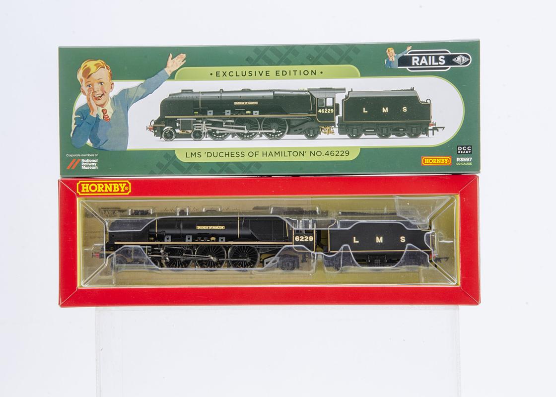 Hornby 00 Gauge Rails of Sheffield Exclusive Edition R3597 Coronation Class 'Duchess of Hamilton',