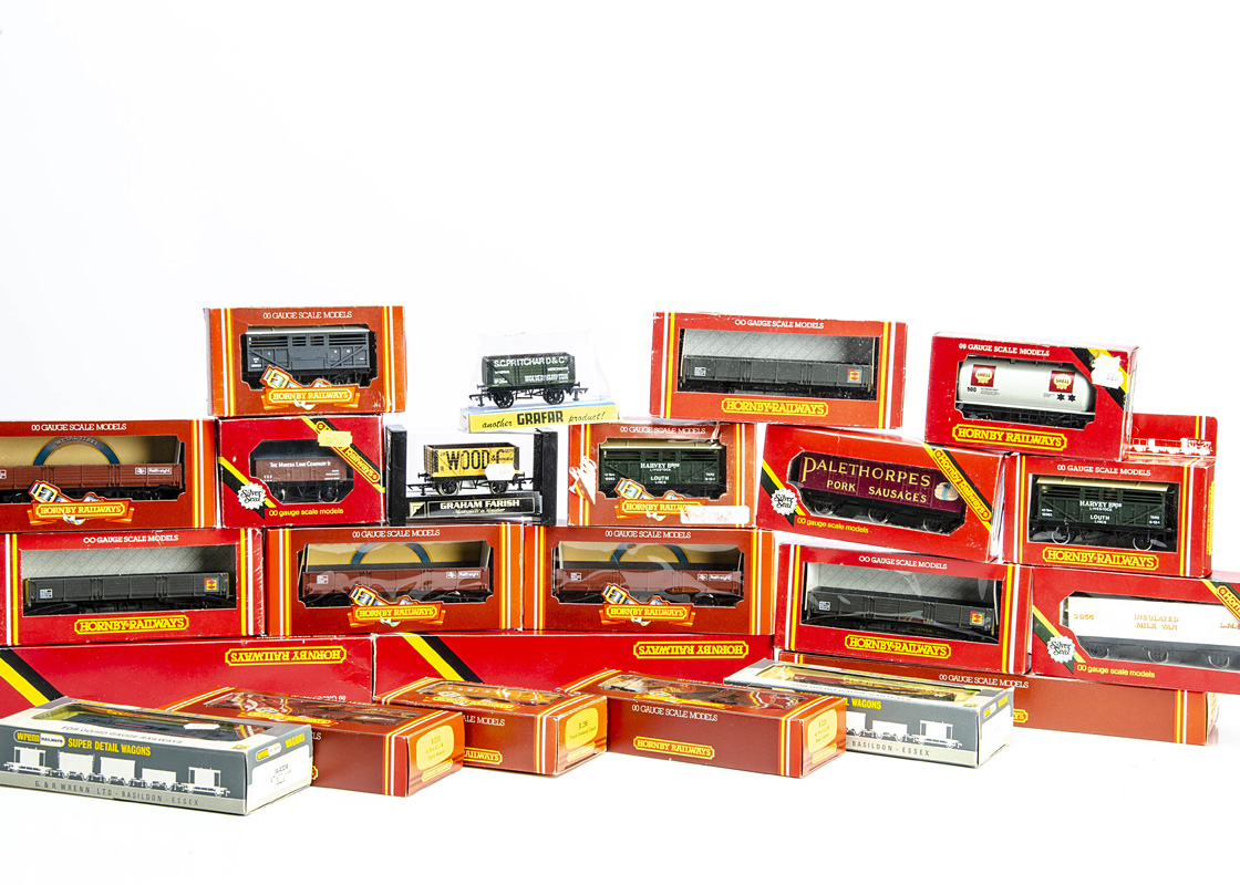 Hornby (Margate) and Other Goods Wagons, a boxed collection including Hornby R225 Steel Carriers (