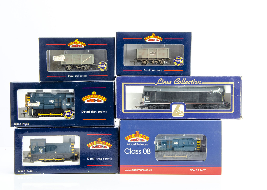 OO Gauge Diesel Locomotives and Goods Wagons, a boxed collection includes Lima 204881A7 Class 20 188