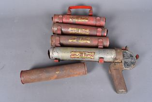 A vintage Antifyre pistol, together with four extra refills, complete with mount, AF (parcel)