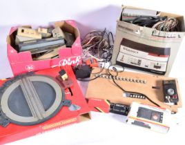 Hornby 00 Gauge ZERO 1 Controller Turntable Station and various Card Models, R950 ZERO 1 Master