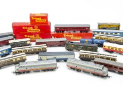 Tri-ang Railways 00 Gauge BR and Transcontinental Outline Locomotives and Rolling Stock including