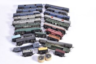 Tri-ang 00 Gauge TC R257 R55 and R159 Locomotives Passenger and Goods Rolling stock and UK outline