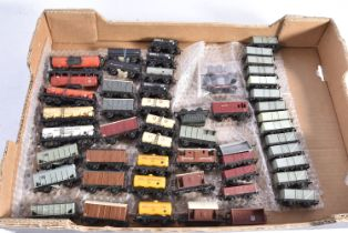 Tri-ang TT Gauge unboxed Goods Rolling Stock, bogie Tank wagons, ICE red (3, one faded), Murgatroyds