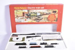 Hornby 00 Gauge Train Set and Hornby and Tri-ang Track Points and Controllers, R541 GWR Freight Set,
