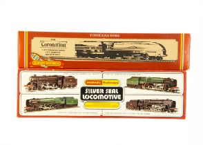 Early Hornby 00 Gauge Steam Locomotives and Tenders, R861 Silver Seal series BR black Class 9F 92166