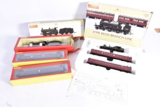 Hornby 00 Gauge (China) Train Pack Locomotive and Coaches, R3398 Lyme Regis Branch Line Train