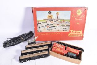 Tri-ang 00 Gauge Train Set and later Hornby Accessories, RO Train Set comprising BR black